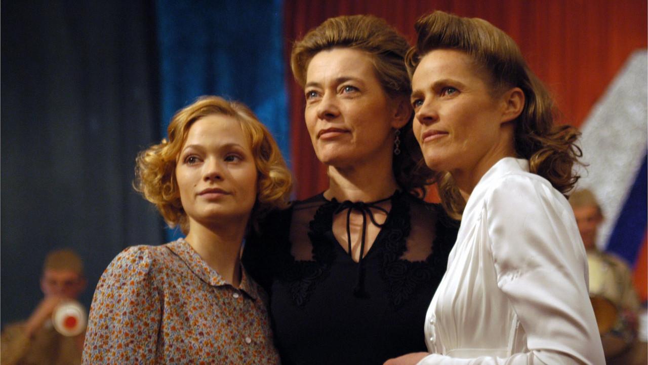 Wahnsinns-Dreier Mit Zwei Geilen Schwestern